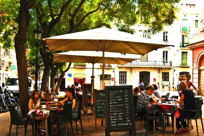 Guía de los bares de Gràcia que debes conocer sí o sí