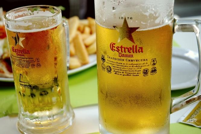 bebidas tipicas de barcelona bebida damm