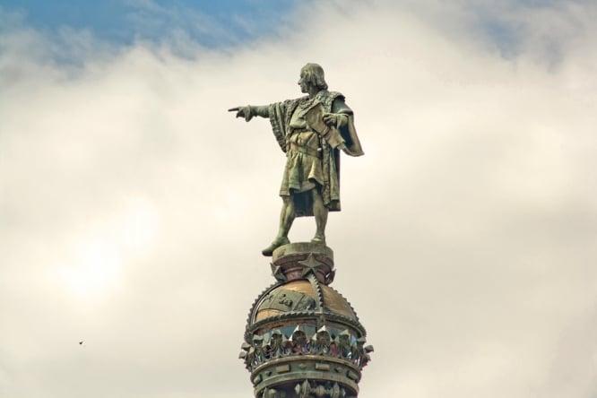 monumentos en barcelona colon