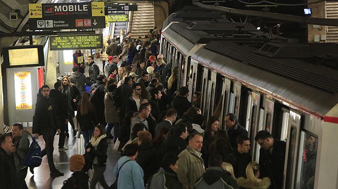 La huelga de metro de Barcelona continuará hasta el 2 de junio