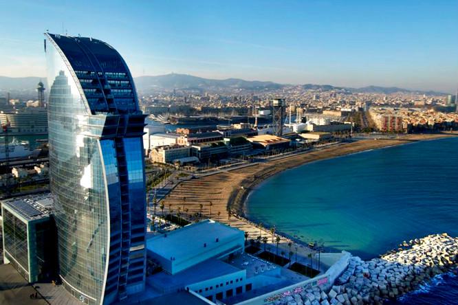 Detienen al hombre que consiguió hacerse un «sinpa» en 14 hoteles de lujo de Barcelona