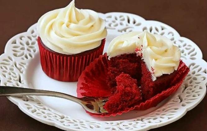 Red-velvet-cupcake-