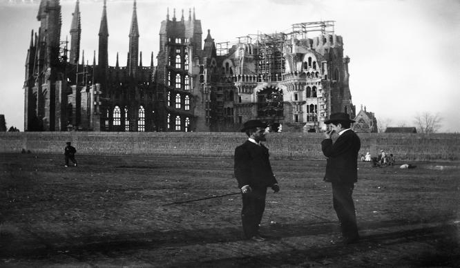La ciudad en blanco y negro: 10 fotos antiguas de Barcelona