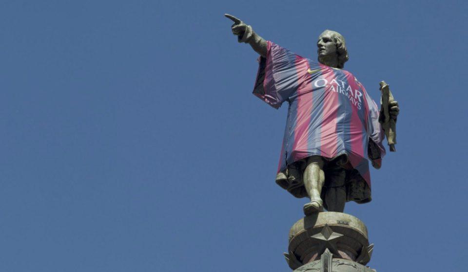El dedo que no apunta a América y otras 7 curiosidades del Monumento a Colón