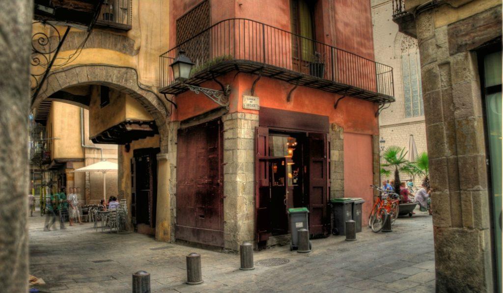 ¿Sabes cuál es la calle más corta de toda Barcelona?