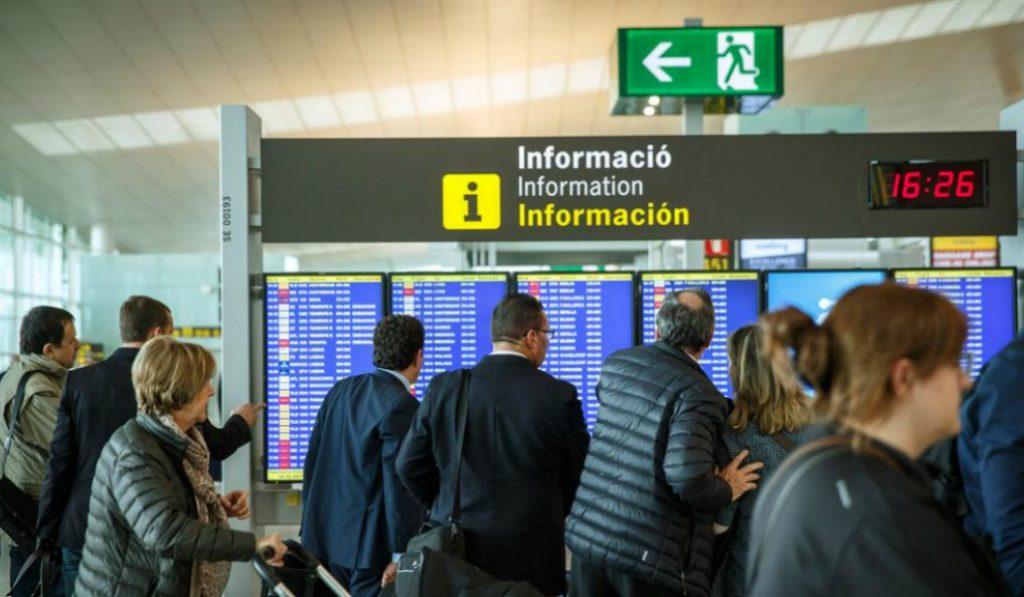 Comienzan las colas por las huelgas en el aeropuerto de El Prat