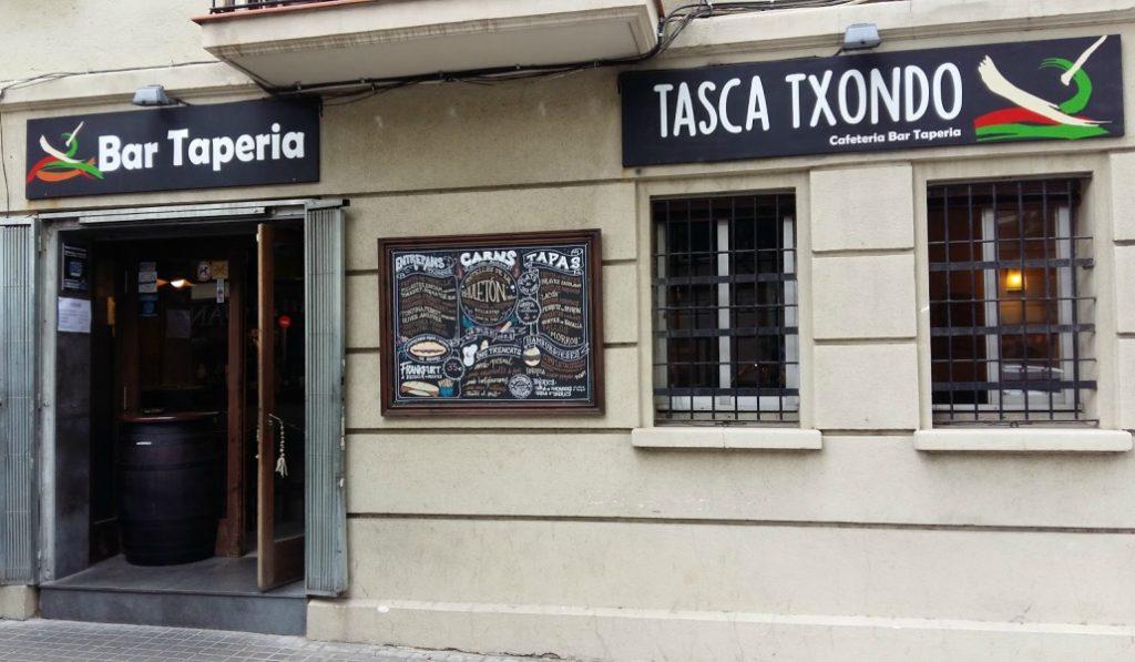 Bares de Barcelona con nombres imposibles de olvidar