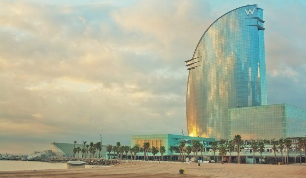 La caída del turismo convierte algunos hoteles de lujo en auténticos chollos