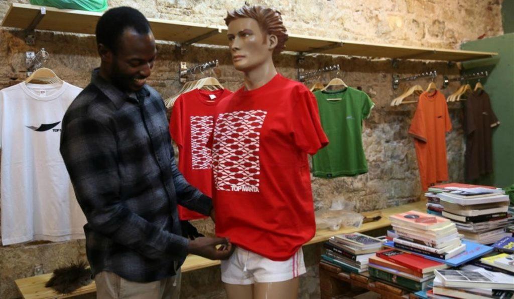 La marca Top Manta abre tienda física en el Raval