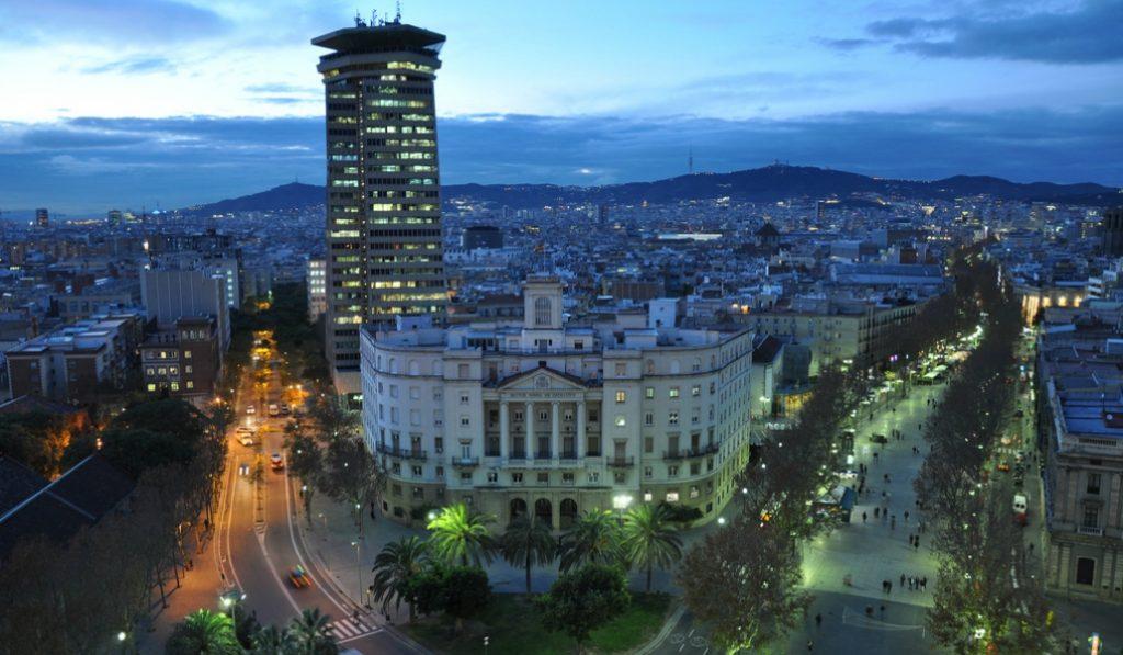 ¿Sabes cuál es la calle más larga de Barcelona?