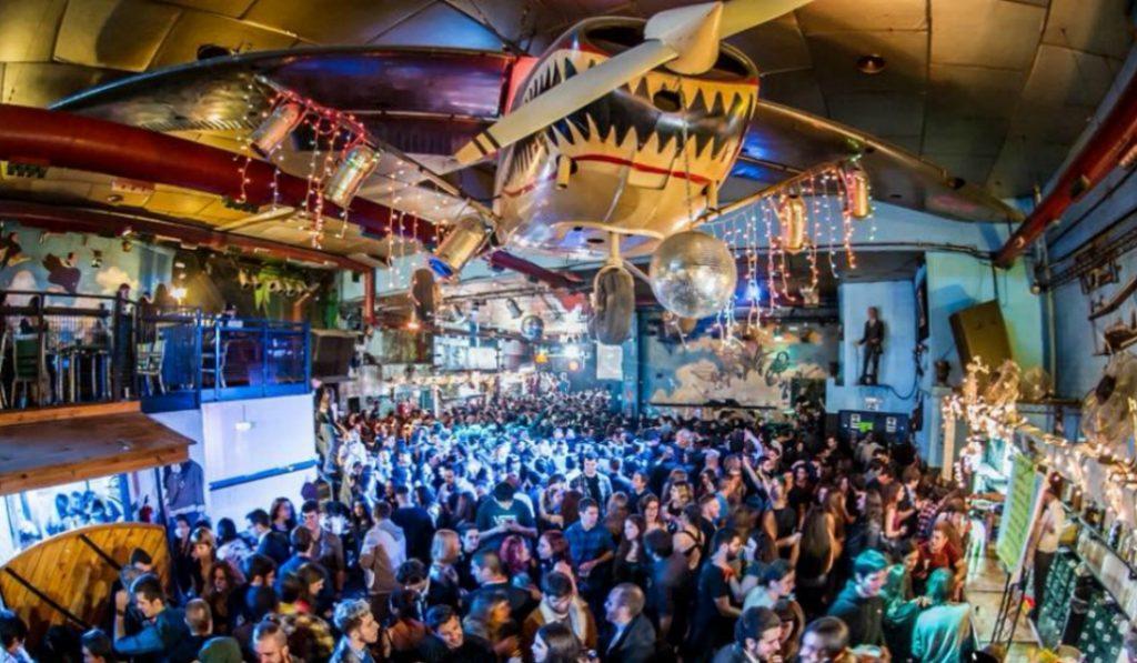 Cierra una de las discotecas más míticas de Marina