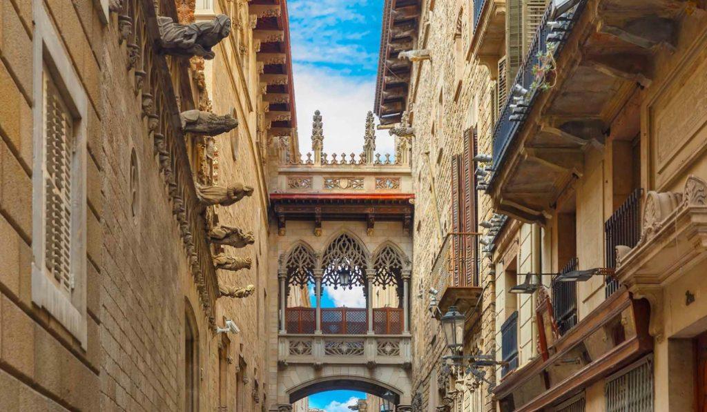 El barrio judío de Barcelona como nunca lo habías visto