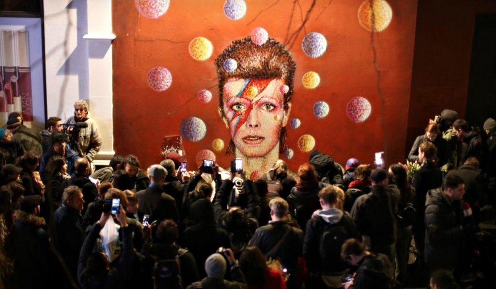 Barcelona homenajea a David Bowie con un concierto tributo