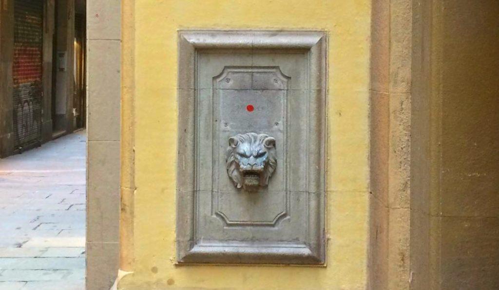 ¿Por qué hay 200 puntos rojos en el barrio del Raval?