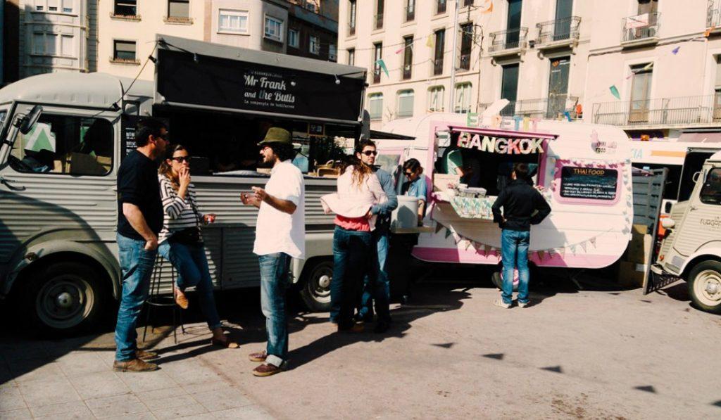 Foodtrucks para este finde en la Barceloneta: el Van Van Market ya está aquí