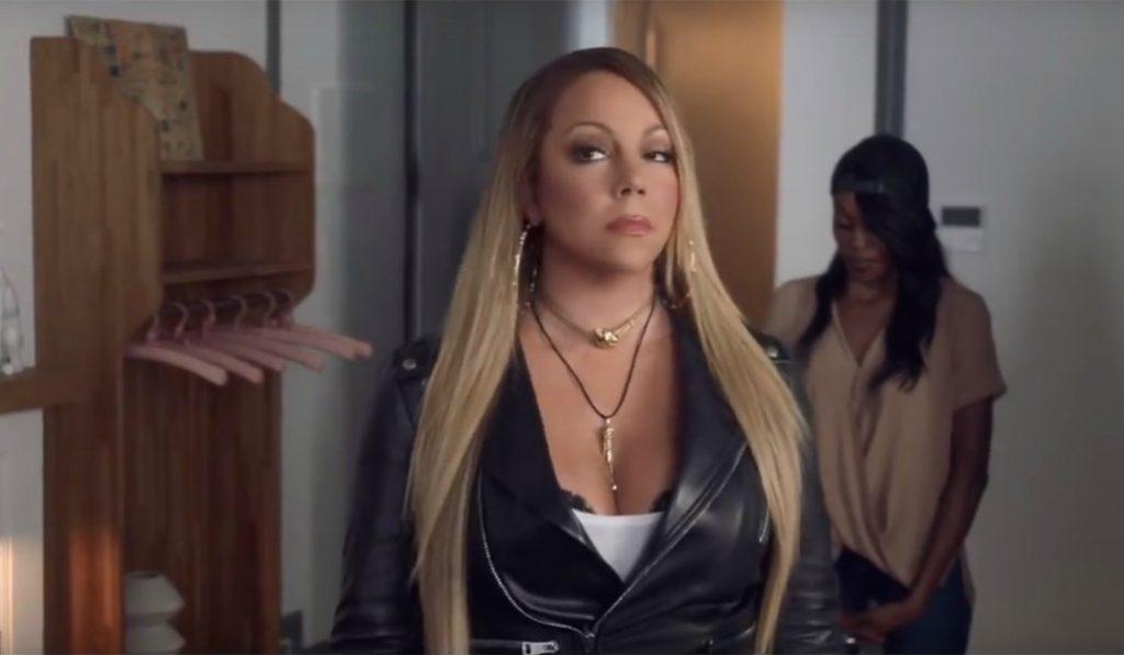 ¿Alguien sabe qué hace Mariah Carey en un hostel en Barcelona?