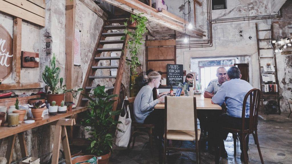 Seis cafeterías ideales para estudiar o trabajar en Barcelona