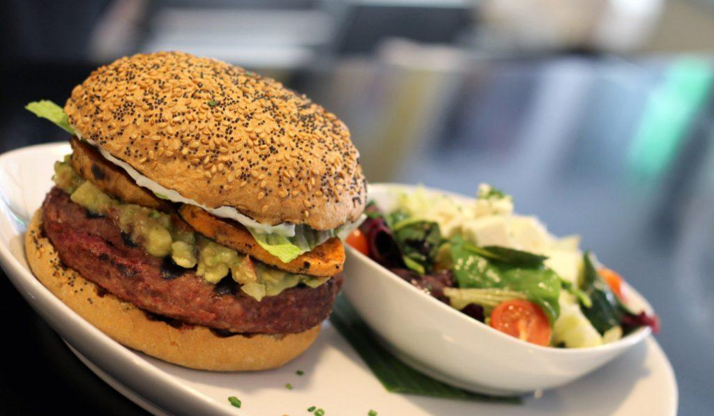 En estos restaurantes puedes celebrar el día de la hamburguesa