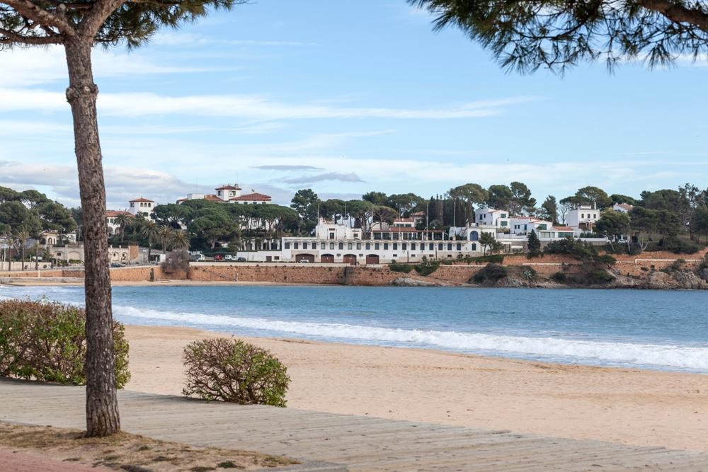 Playa de San Pol de s'Agaró: casi como una playa de Cuba - Barcelona Secreta