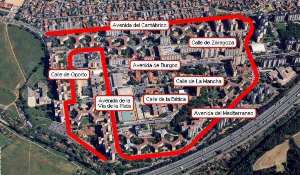 A 20 km de Barcelona hay un pueblo que tiene la forma de España