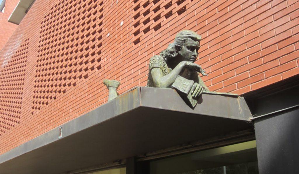 ¿Sabías que Barcelona tiene una estatua de Anna Frank?
