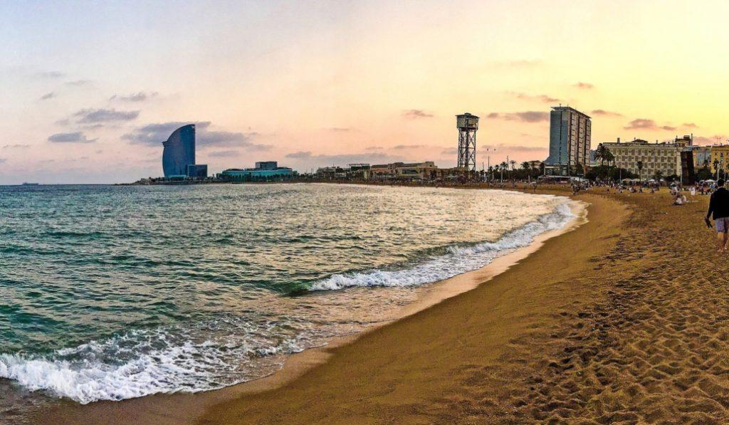 Cómo pasar el verano en Barcelona de la A a la Z