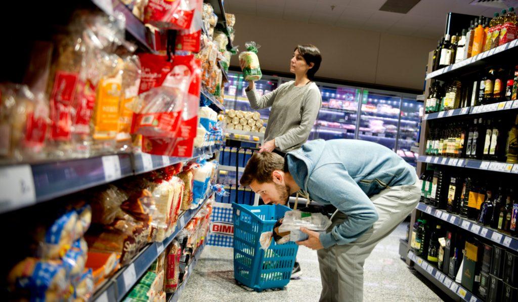Barcelona es la segunda ciudad más cara de España para hacer la compra