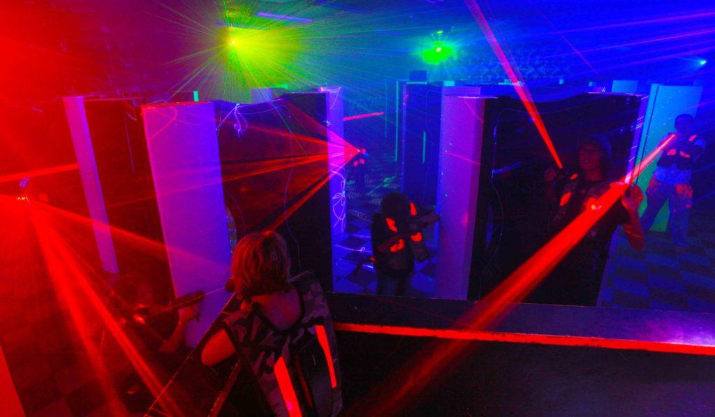 Chalecos y pistolas fuera: el Laser Tag ha llegado para quedarse