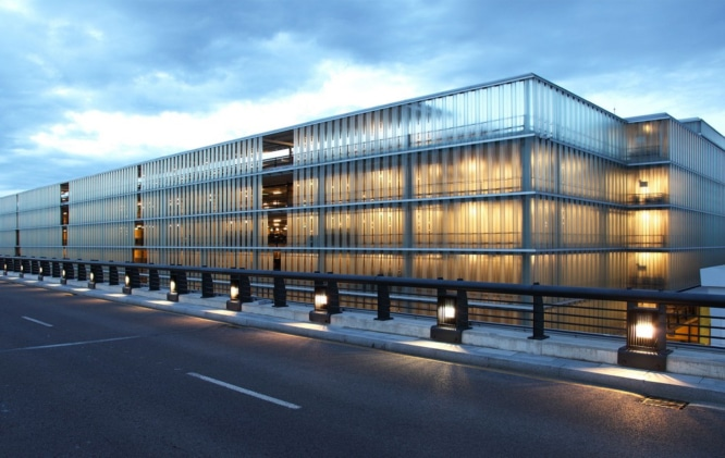 Ricardo_Bofill_Taller_Arquitectura_New_Barcelona_Airport_T1_spain_23-©-Lluis-Carbonell