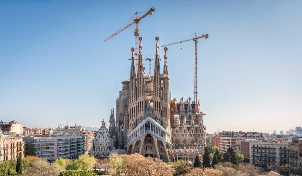 Un siglo más tarde, Sagrada Familia y Ayuntamiento llegan a un acuerdo