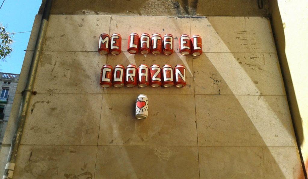 De la calle al museo: una exposición de las latas de Barcelona