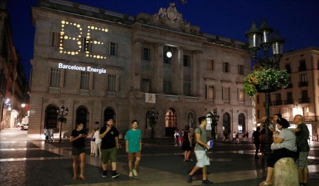 Barcelona lanza a competir al mercado a su eléctrica pública