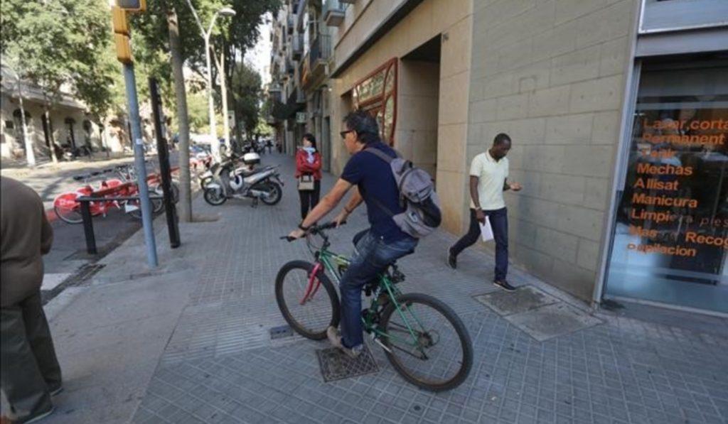 Los ciclistas ya no podrán circular por las aceras de Barcelona