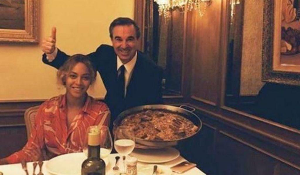 Beyoncé estuvo en Barcelona comiendo paella con kétchup