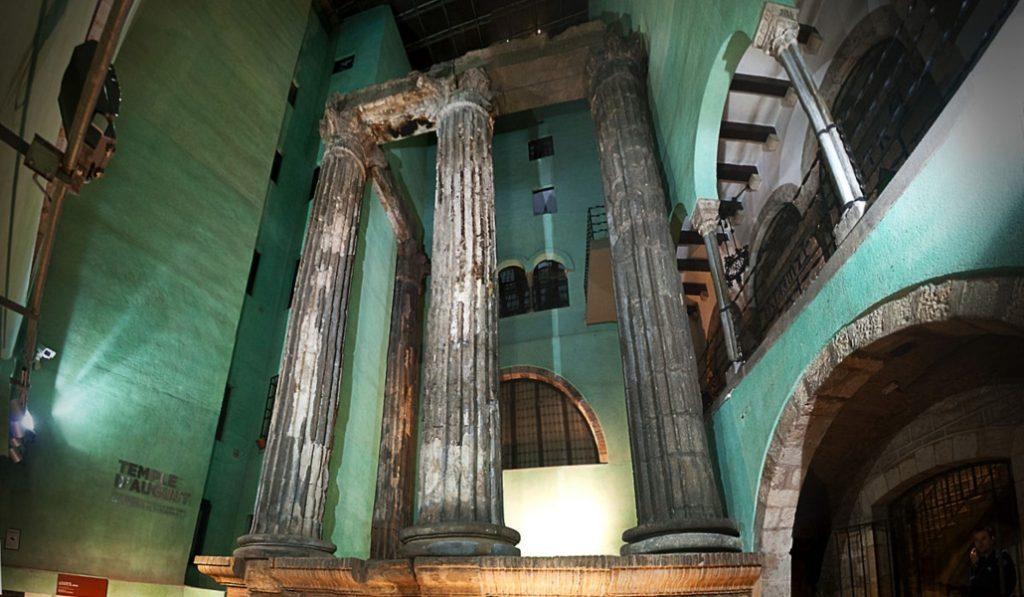 El Templo de Augusto, una maravilla romana en medio de Ciutat Vella
