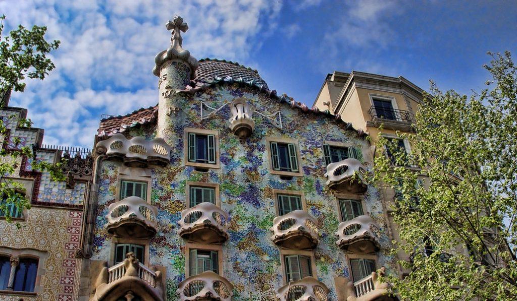Esta semana intervendrán la fachada de la Casa Batlló