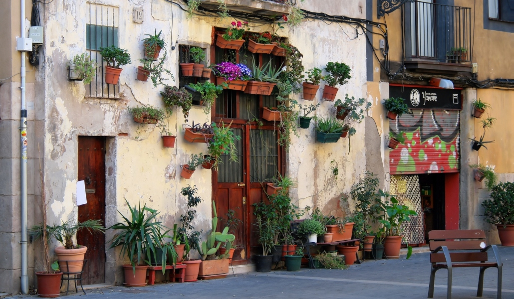 La fachada más fotogénica de Barcelona está en carrer d'Allada Vermell - Barcelona Secreta