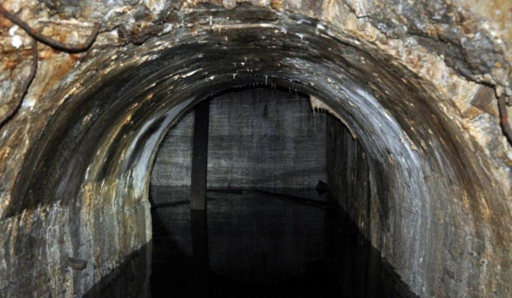Descubren en el subsuelo del Raval una estación de metro nunca usada