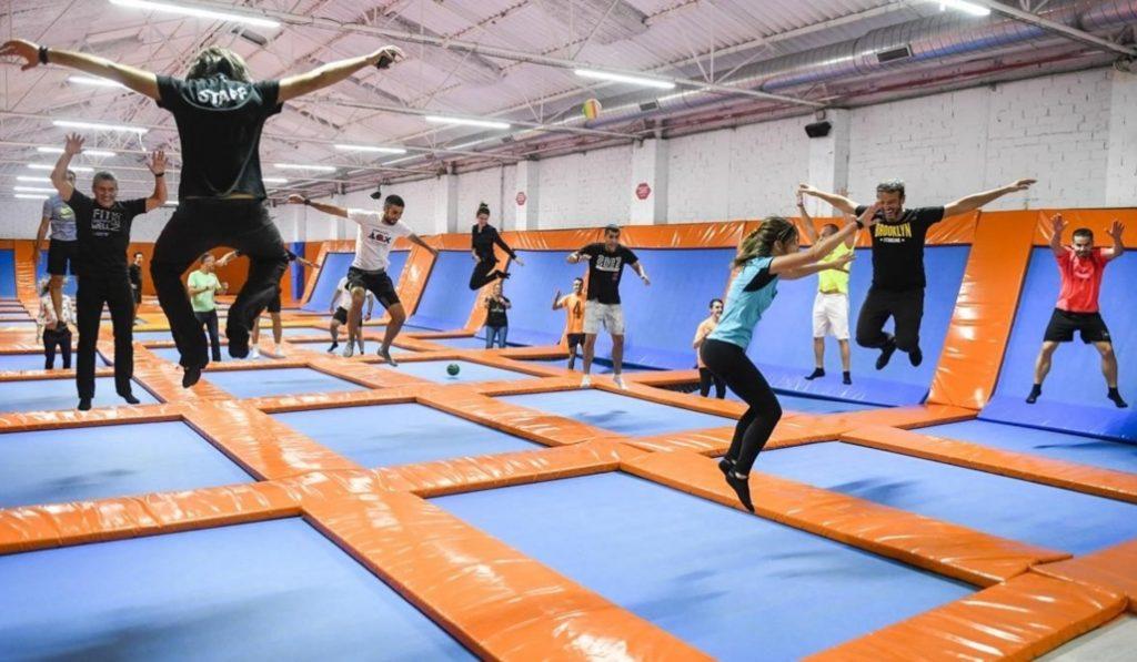 The indoor jumping club: camas elásticas para todos los públicos