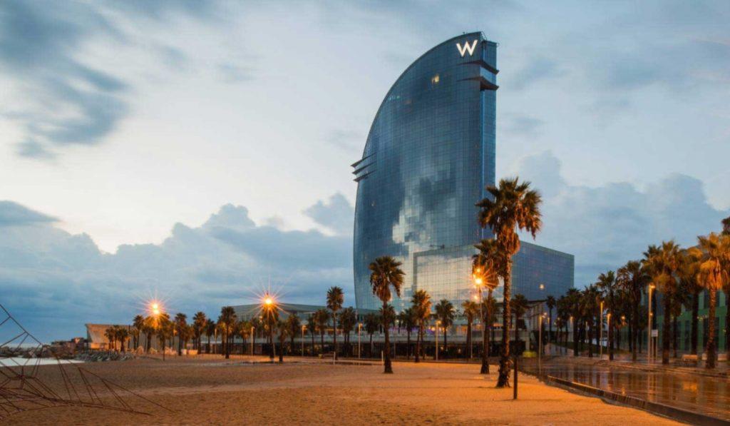 La bandera azul de calidad volverá a ondear en la Barceloneta