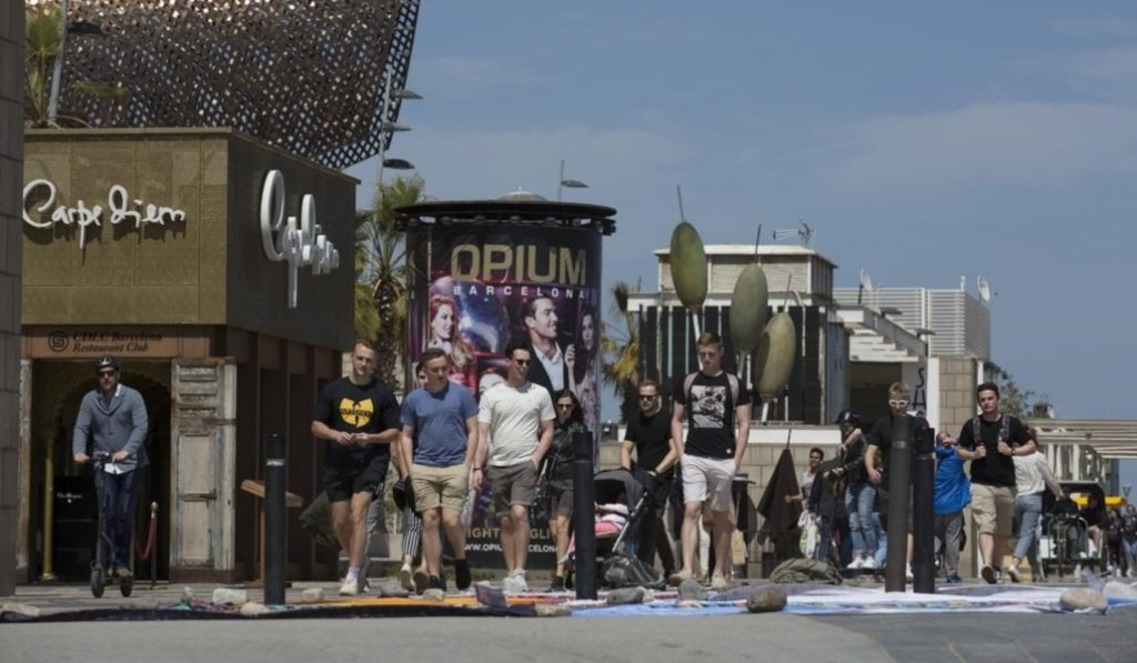 Barcelona tramita el cierre de las discotecas del frente marítimo