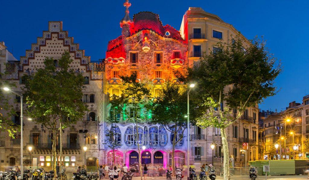 La Casa Batlló se iluminará para celebrar el Día Internacional de Orgullo LGTBI