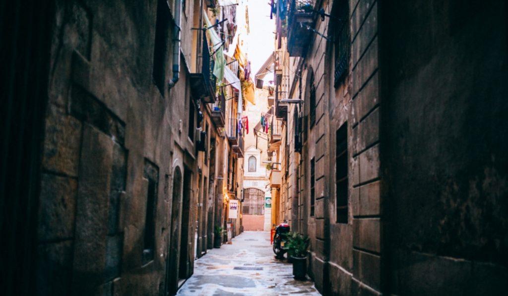 Carrer de Flassaders: la calle que resume la esencia de Barcelona