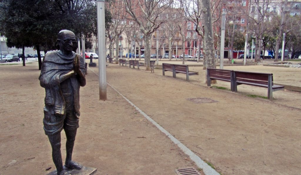 ¿Sabías que Barcelona tiene una estatua de Gandhi?