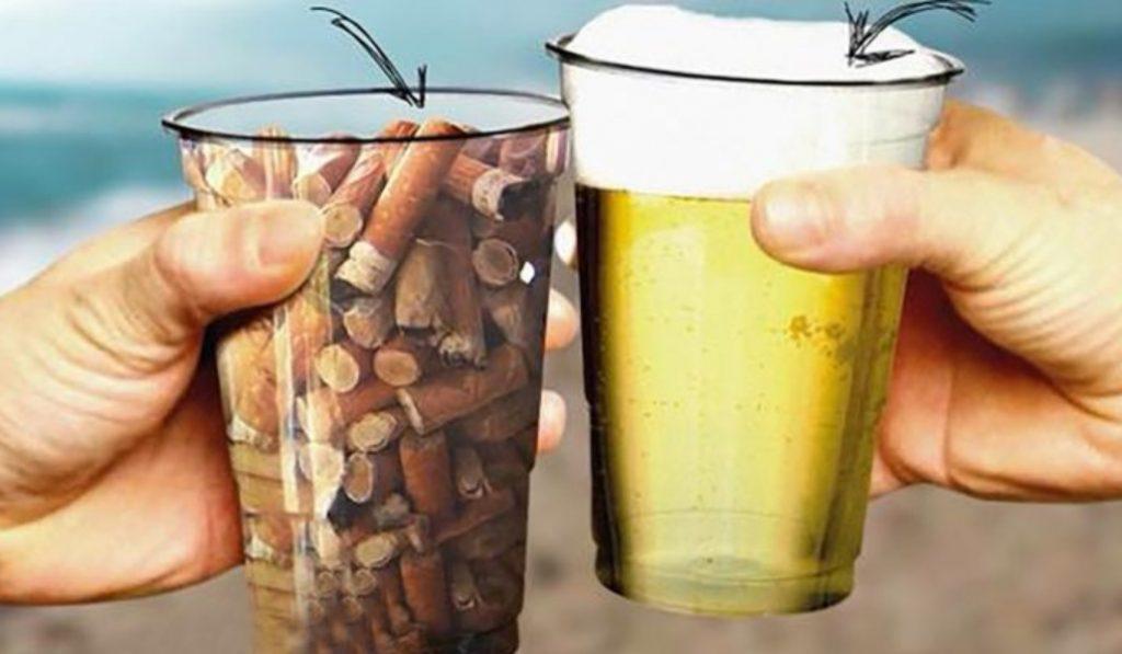 En este chiringuito te dan gratis un vaso de cerveza a cambio de uno de colillas