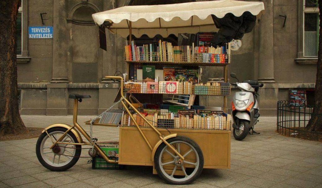 Librerías móviles en las calles de Barcelona para fomentar la lectura