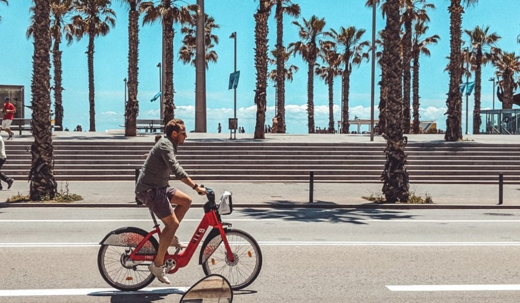 Barcelona tendrá 2.000 bicis eléctricas en 2022
