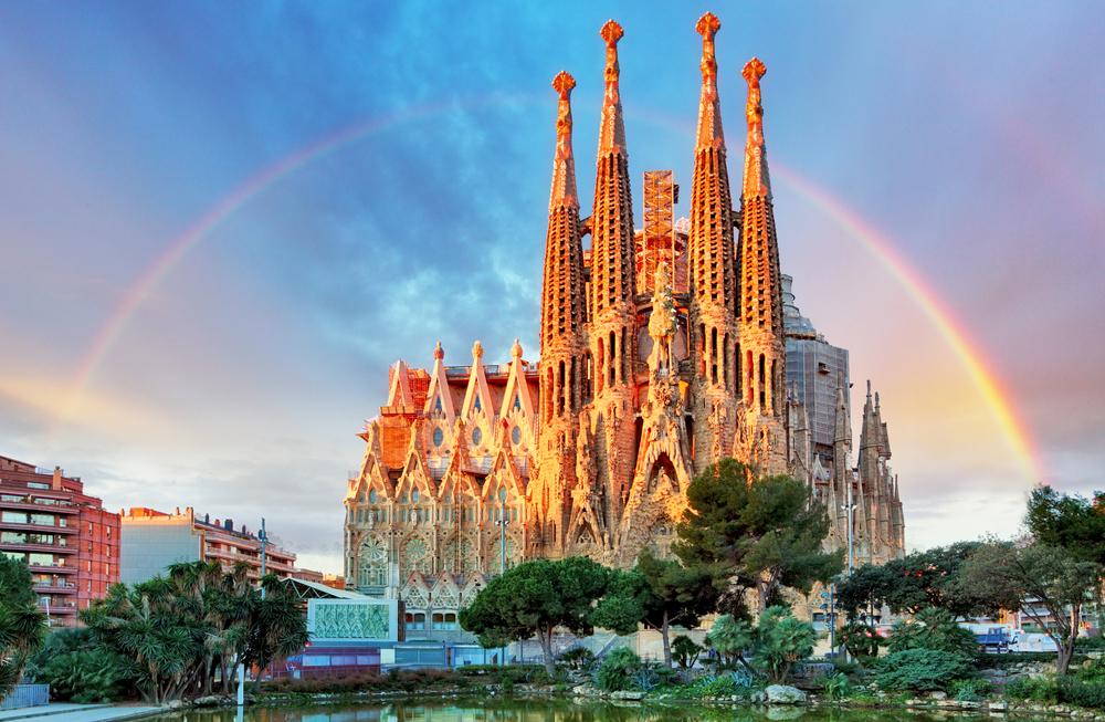 La Sagrada Familia, una de las atracciones turísticas más visitadas del mundo
