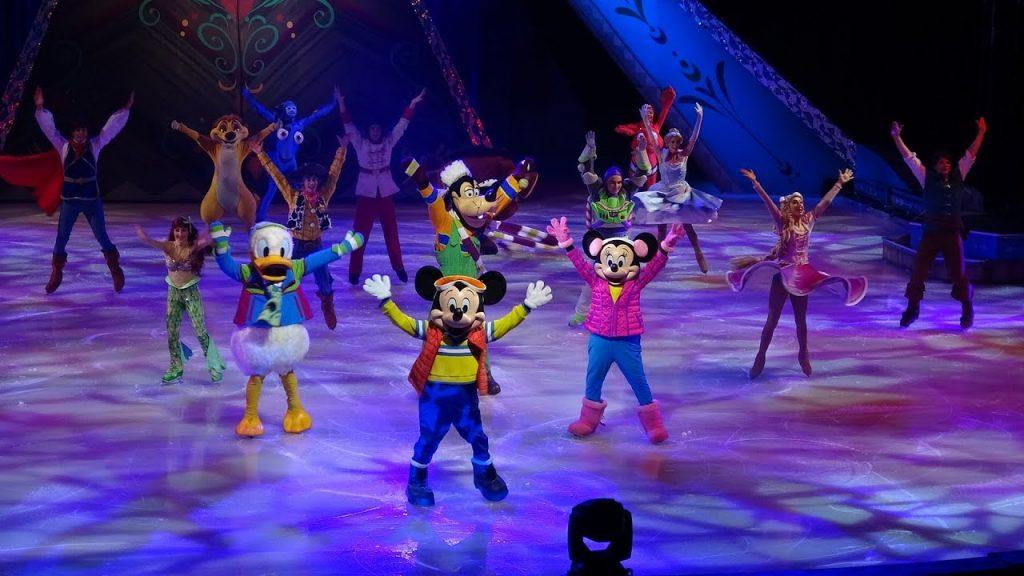 Los personajes de Disney más emblemáticos, reunidos sobre hielo
