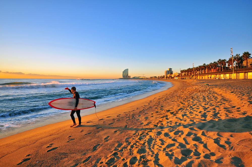 Así se fabrican las tablas para surfear en Barcelona